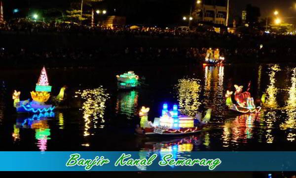 Wisata Malam di Banjir kanal Barat Semarang