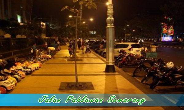 Wisata Malam di Jalan Pahlawan Semarang