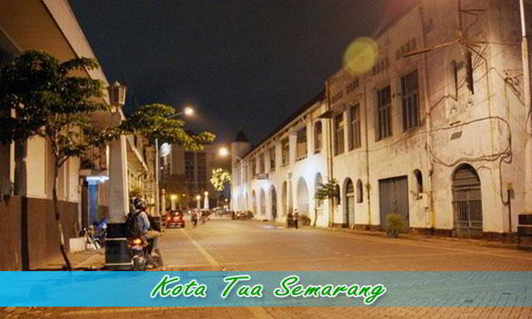Wisata malam di Semarang Kota Tua