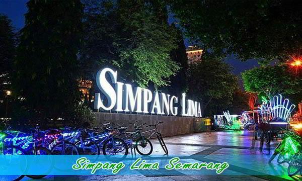 Wisata malam di Simpang Lima Semarang