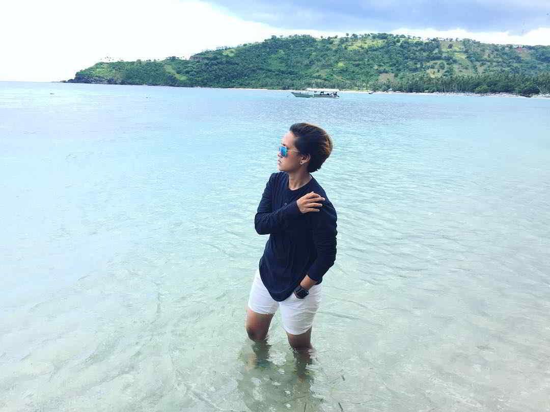 wisata-pantai-di-lombok-pantai-nipah