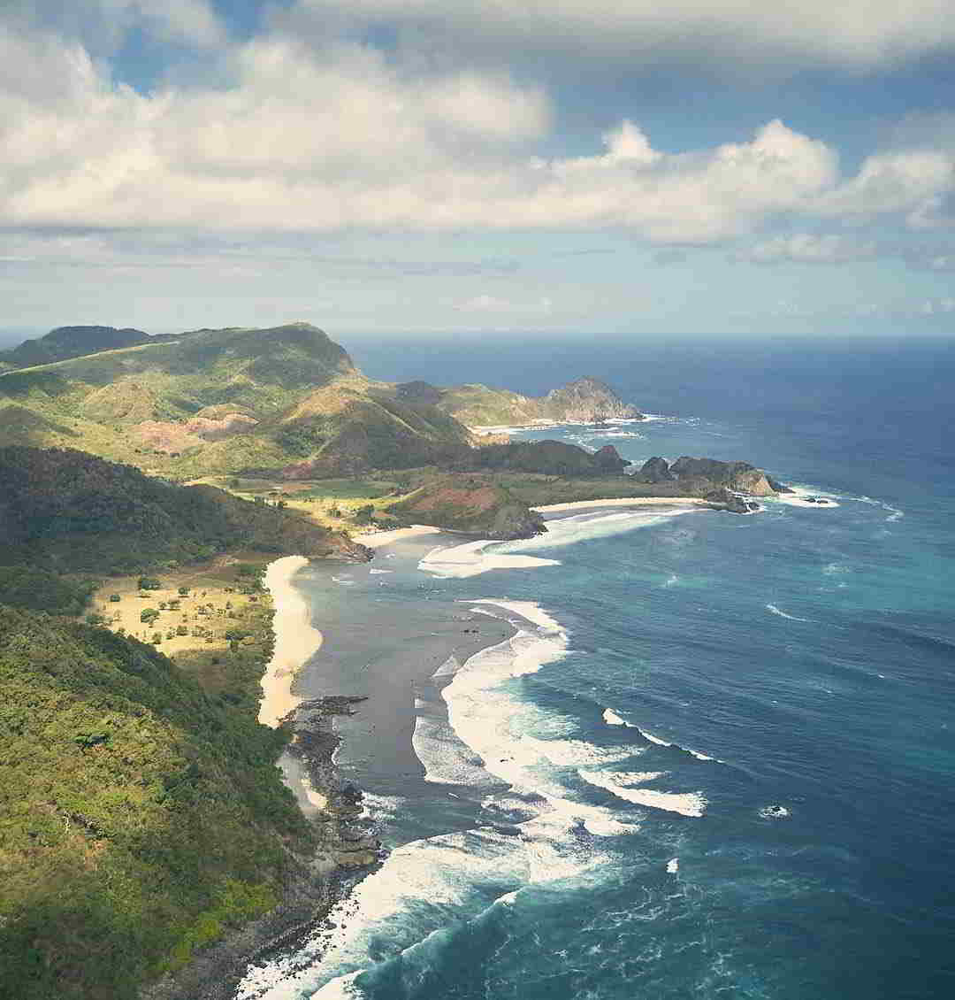 wisata-pantai-di-lombok-pantai-selong-belanak
