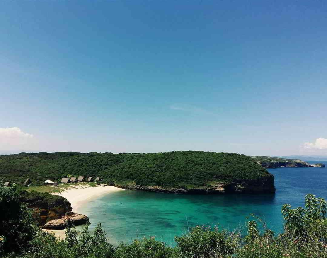 wisata-pantai-di-lombok-pantai-tanjung-bloam