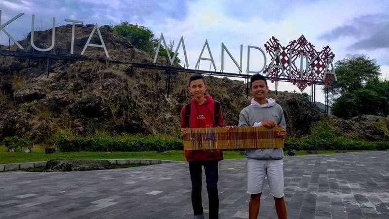 bukit-mandalika-pantai-kuta-lombok