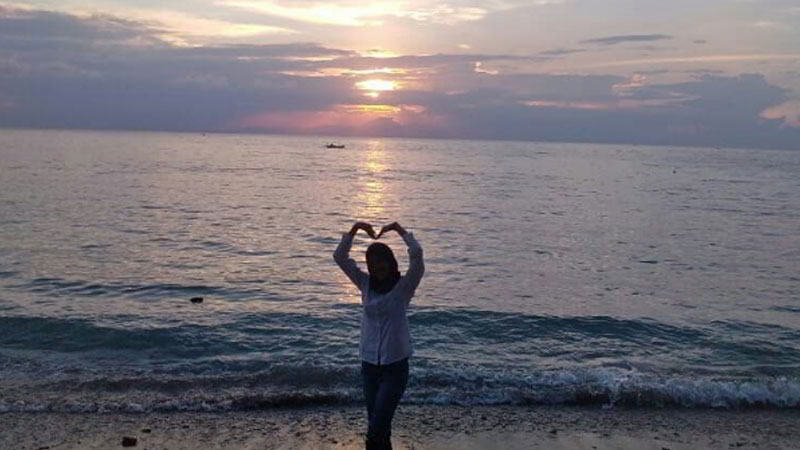 matahari-tenggelam-pantai-nipah