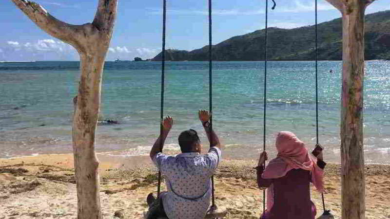 pantai-kuta-lombok-selatan
