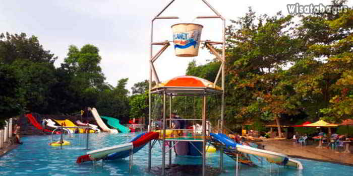 Ember-Tumpah-Planet-Waterboom-Subang
