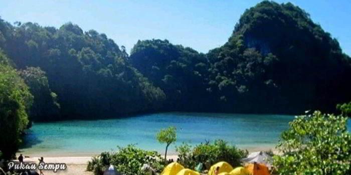 Wisata-Malang-di-Pulau-Sempu-Malang