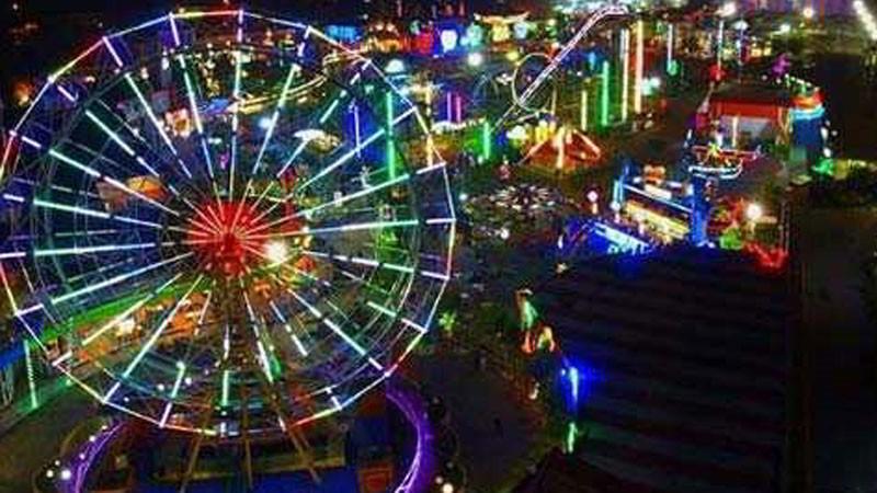tempat-wisata-di-surabaya-carnival-park