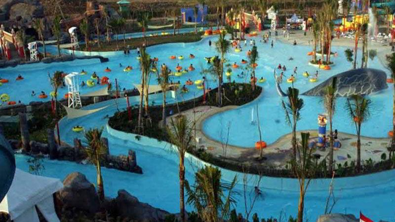 tempat-wisata-di-surabaya-ciputra-waterpark