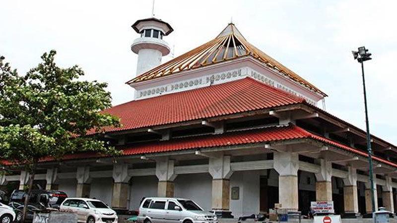 tempat-wisata-di-surabaya-masjid-ampel