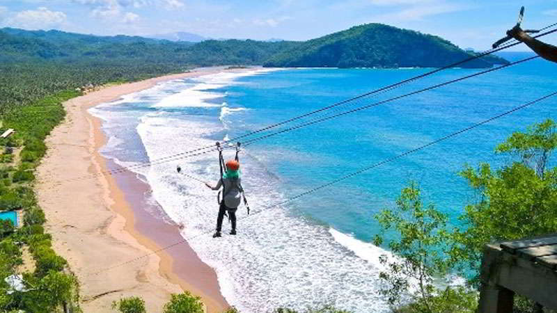 flying-fox-pantai-balekambang