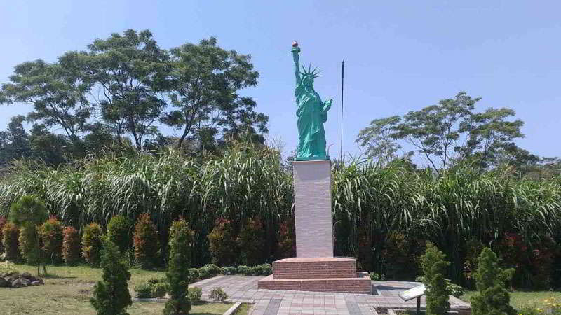 merapi-park-patung-liberty