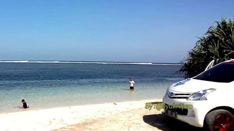 pantai-ujung-genteng-jawa-barat