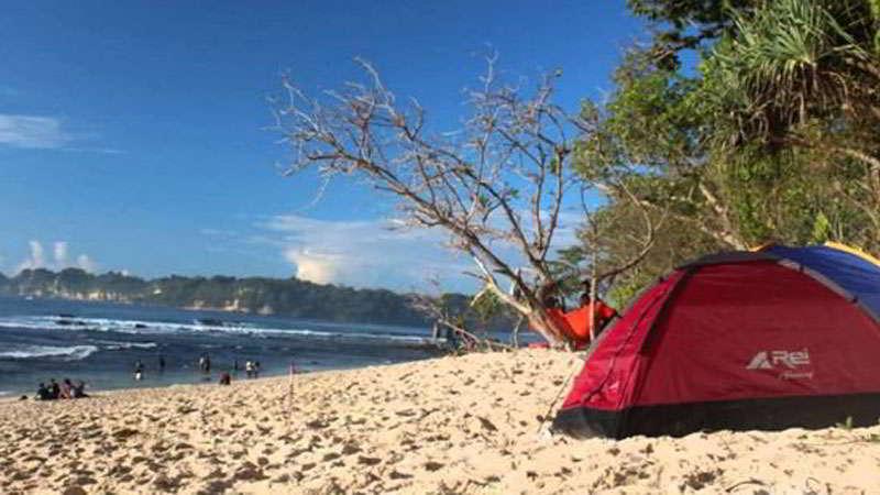 rumah-pohon-pantai-sendiki