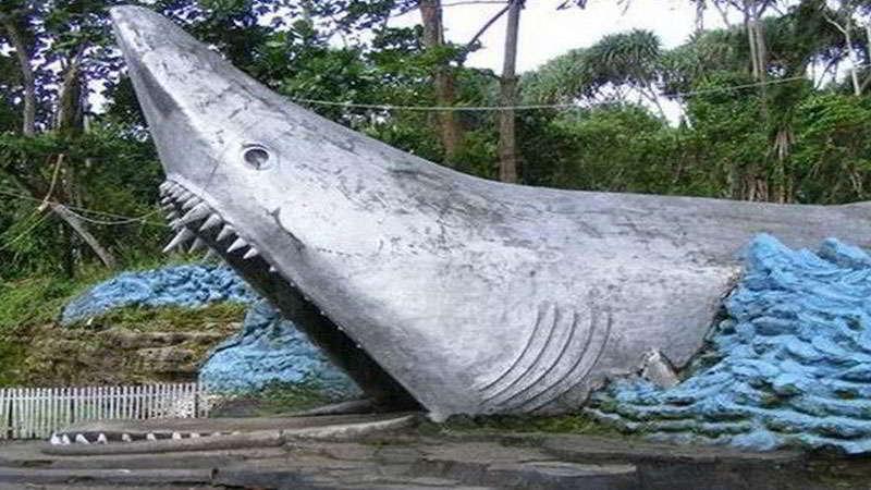 sejarah-pantai-batu-hiu