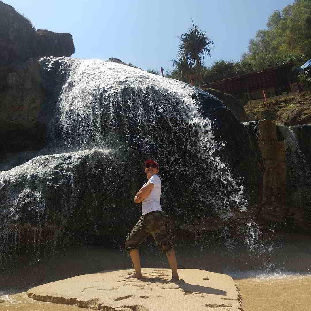 keindahan-pantai-banyu-tibo