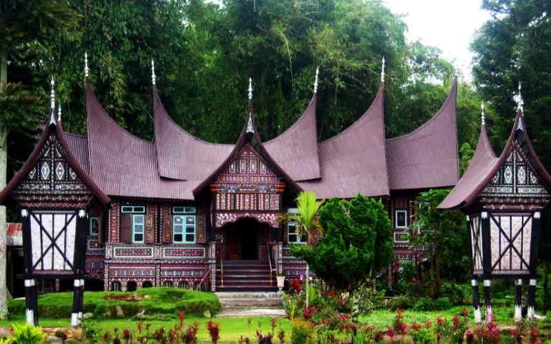 Keunikan Padang Sumatera Barat