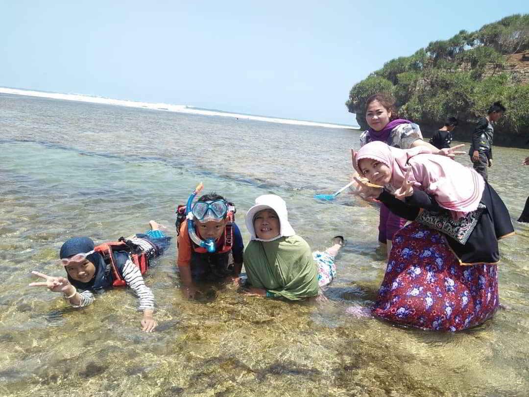 snorkeling-di-pantai-drini