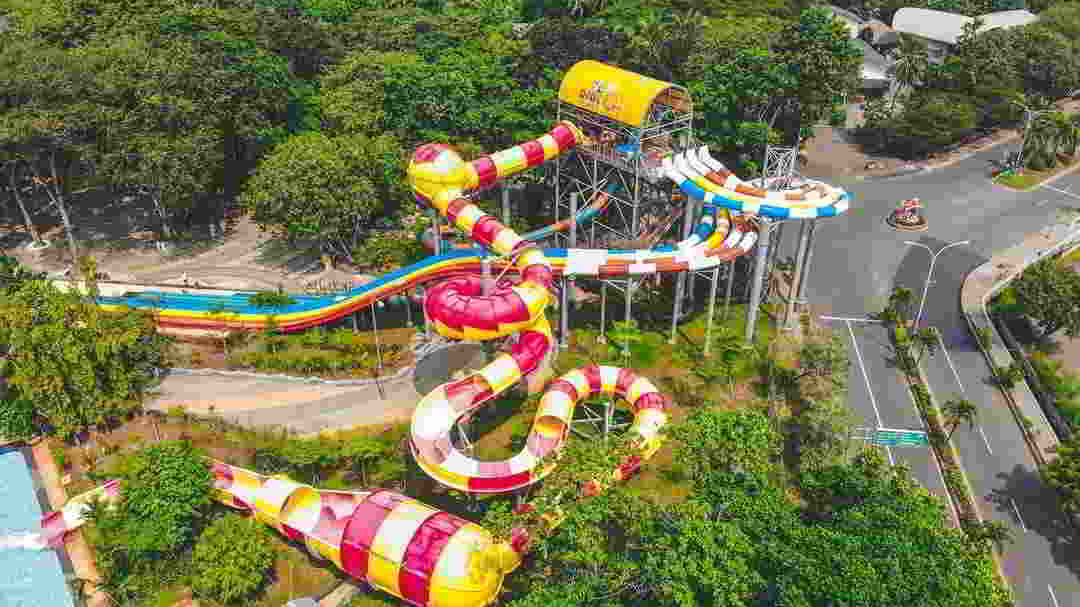 crazy-slide-atlantis-ancol