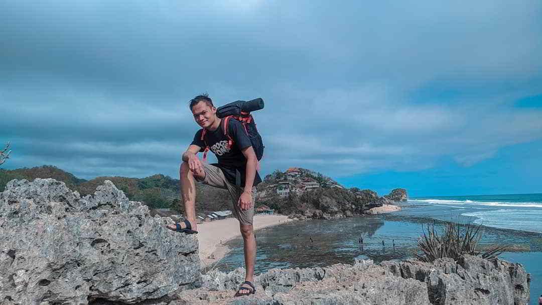 pantai-sundak-gunung-kidul-jogja