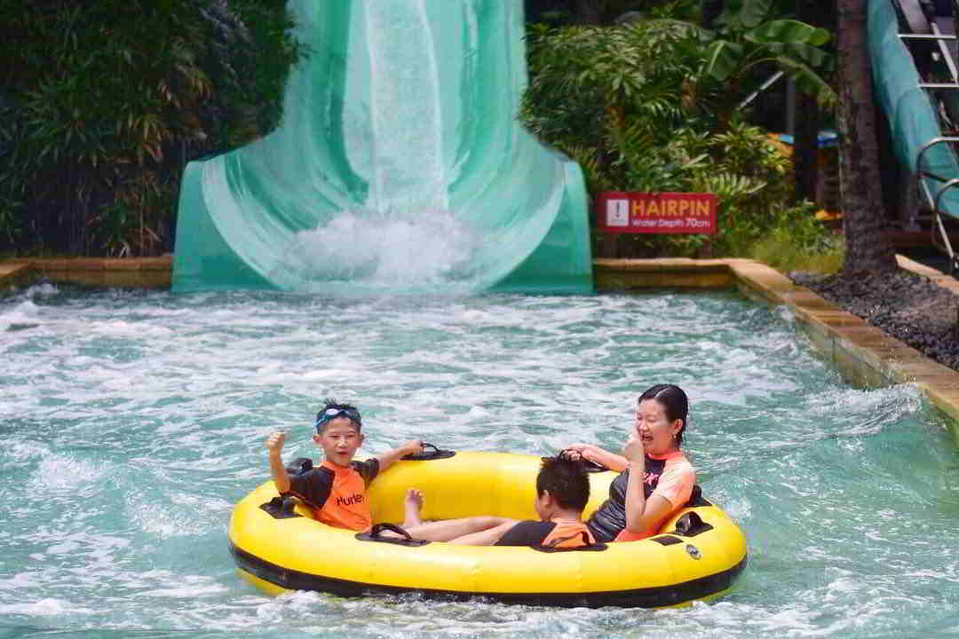 the-hairpin-waterbom-pik