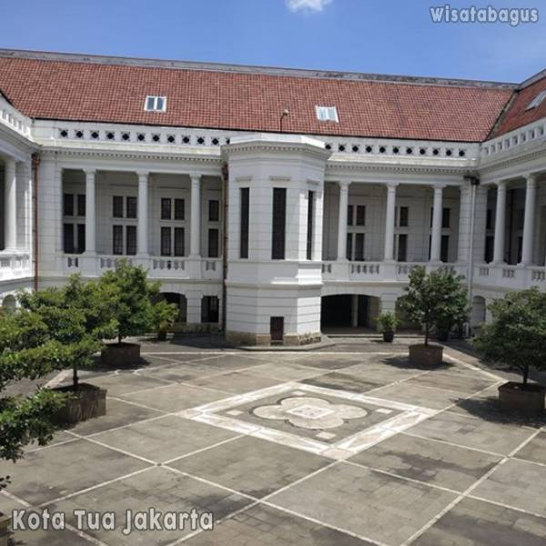 museum-bank-indonesia-kota-tua