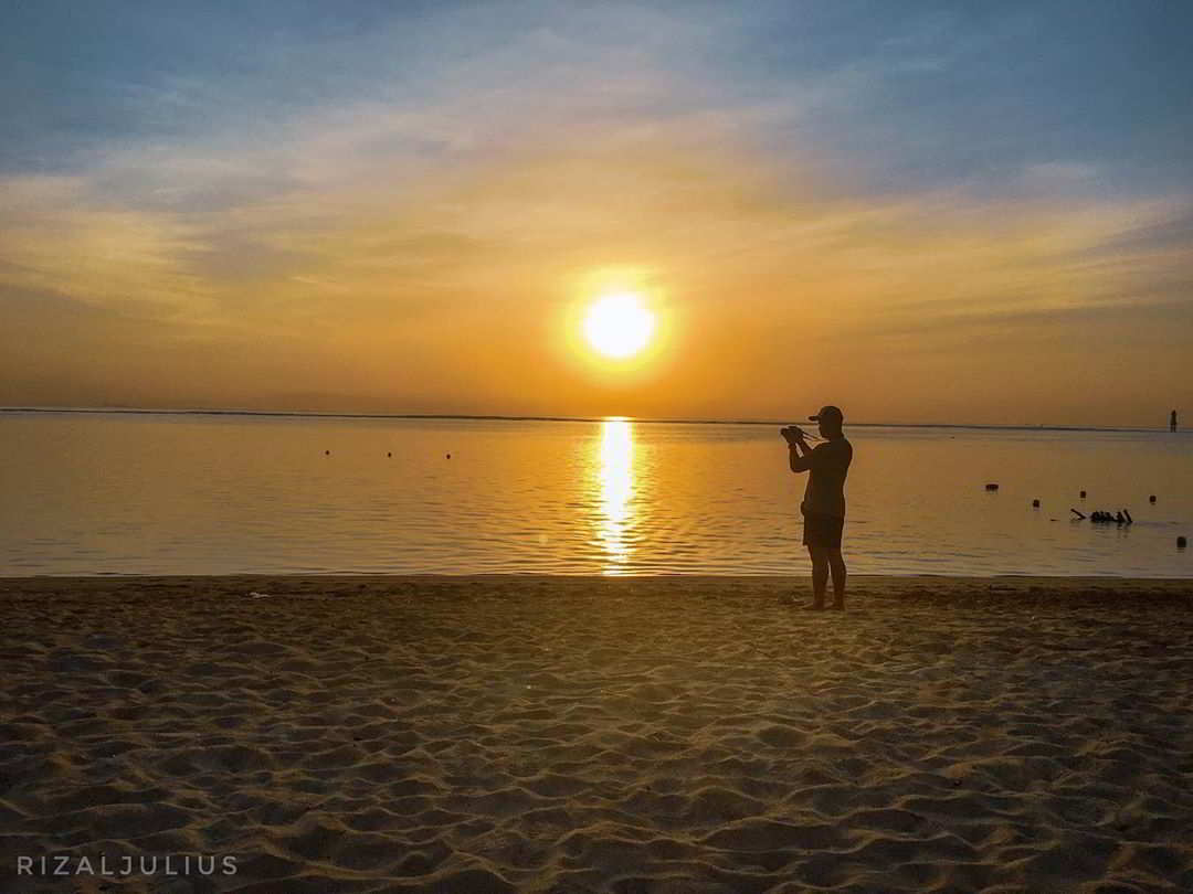 pantai-sanur-sunset