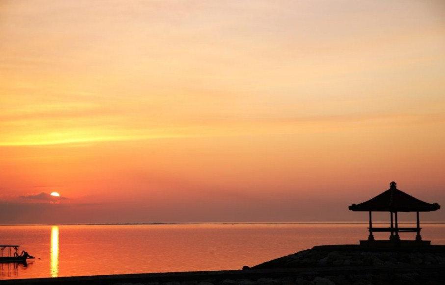 sunrise-di-pantai-sanur