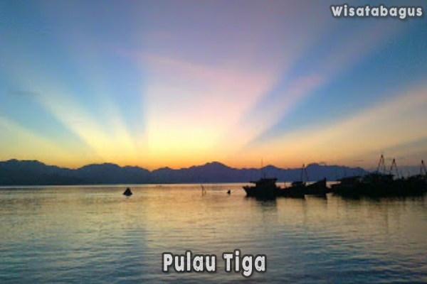 Pulau-Tiga-Tempat-Wisata-Khas-Pulau-Natuna