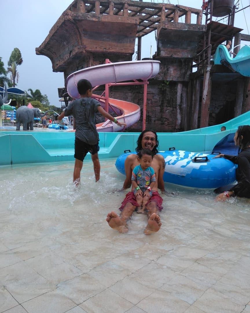 aquatic-land-taman-safari-prigen