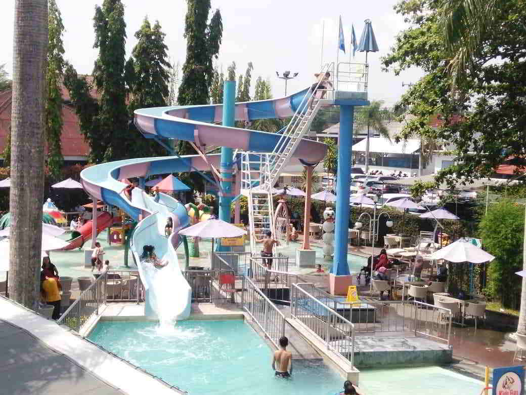 waterboom-kids-fun-jogja