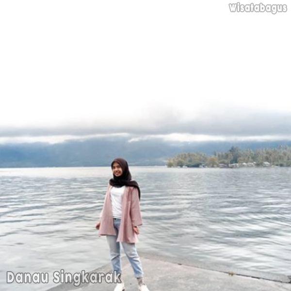 keindahan-danau-singkarak