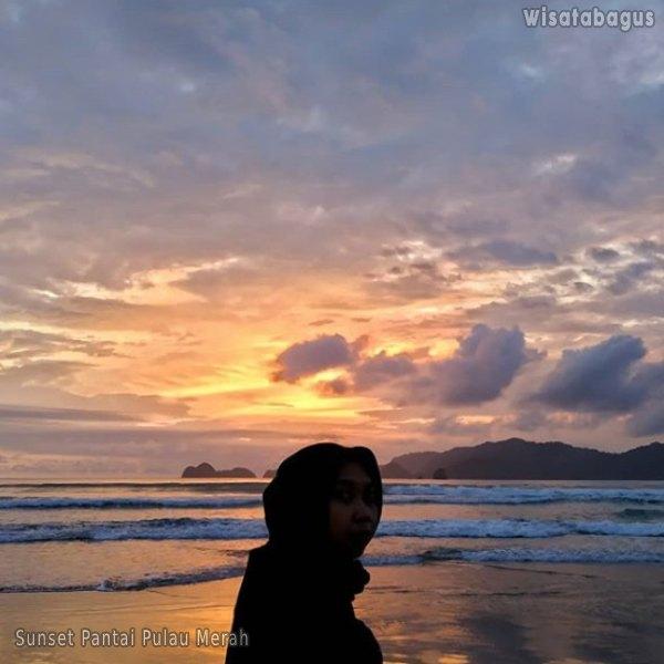 pantai-pulau-merah-bwi