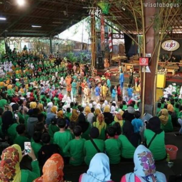Gambar Saung Udjo