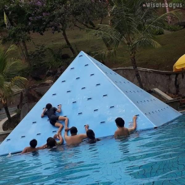 Piramida Climbing Taman Dayu