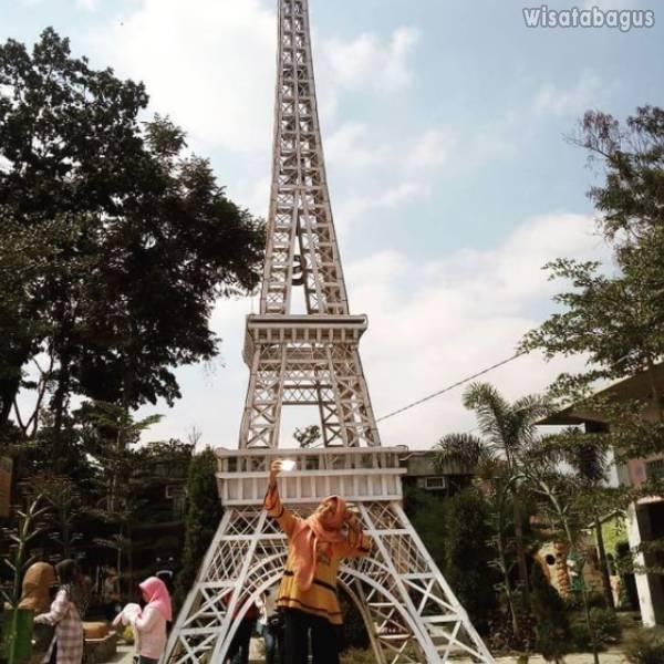 Miniatur Landmark Dunia Negeri Dongeng